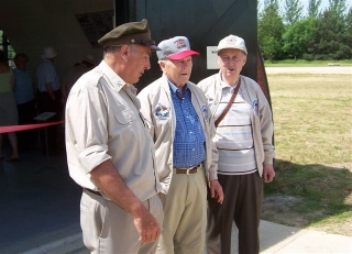 Richard and veterans June 06.jpg